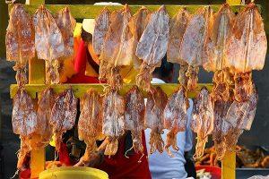 Mẹo chọn và cất trữ hải sản khô đãi khách ngày Tết